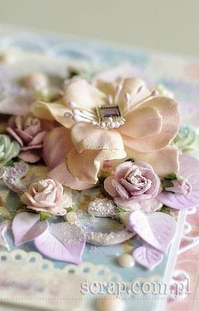 kwiaty_z_foamiranu_detale