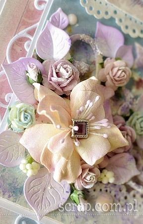 kwiaty_z_foamiranu_detale2