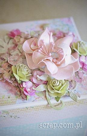kwiaty_z_foamiranu_exploding_box